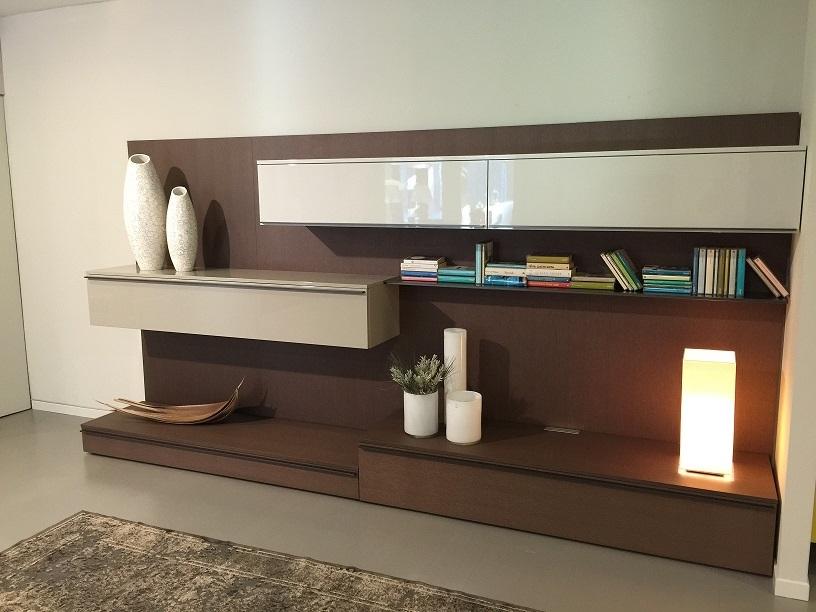 Soggiorno moderno legno soggiorno moderno tetris legno for Mobili soggiorno legno