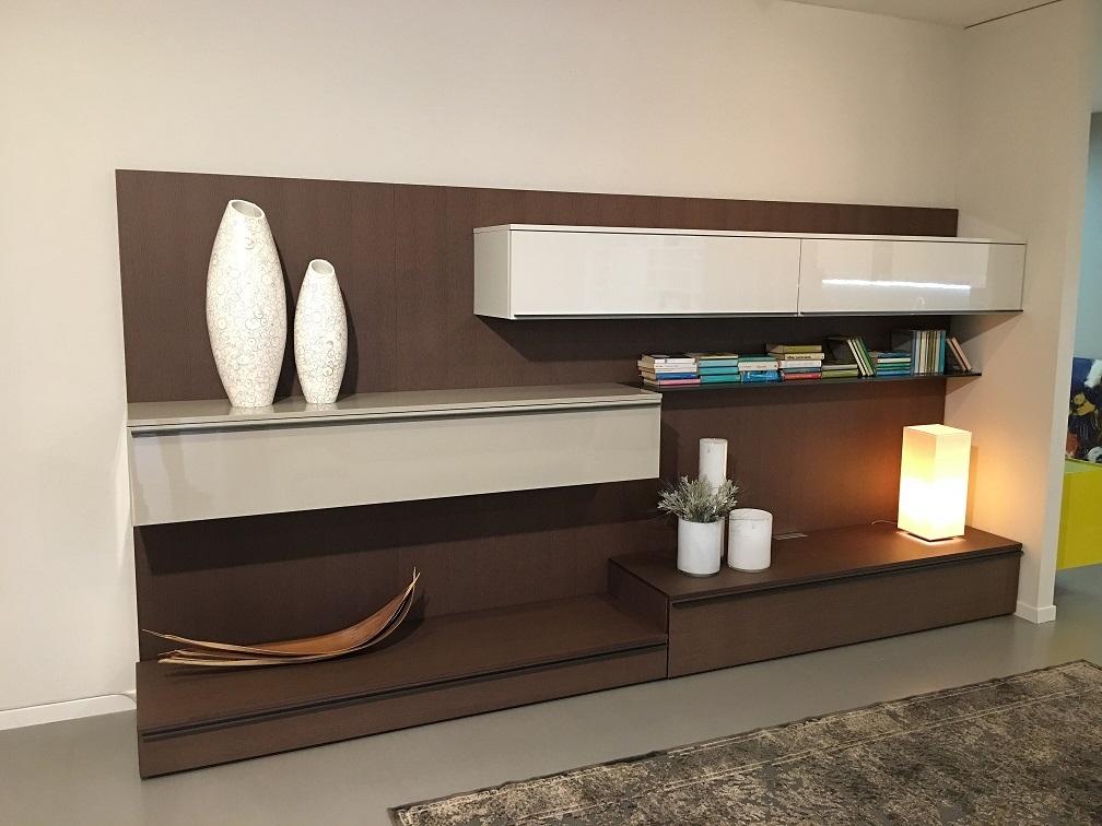 Soggiorno legno moderno idee per il design della casa - Soggiorno in legno ...