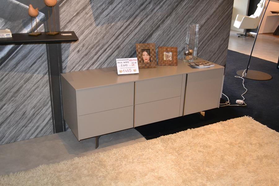 Beautiful molteni mobili soggiorno pictures design for Cagnoni arredamento