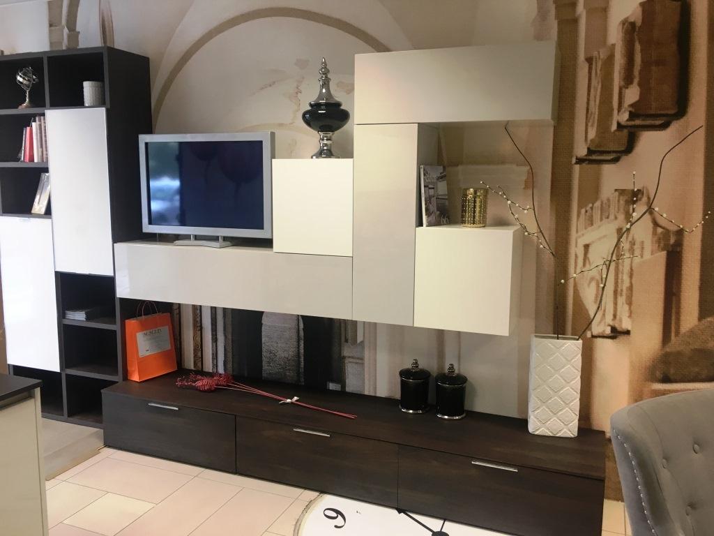Novamobili soggiorno pareti attrezzate porta tv scontato for Pareti attrezzate soggiorno