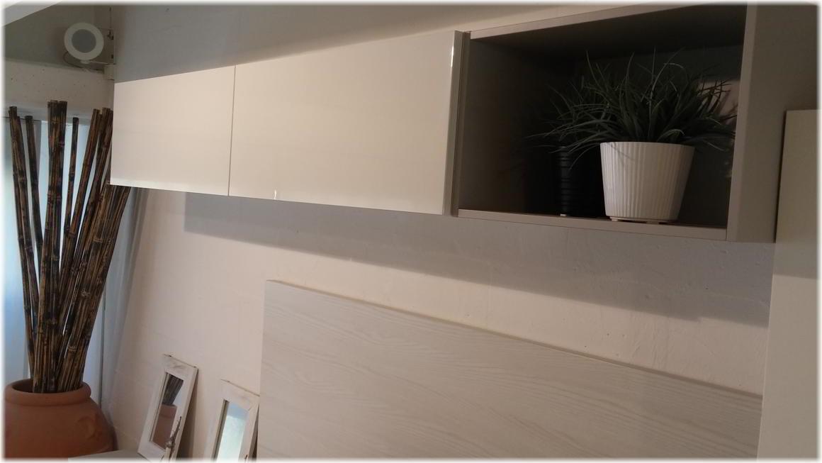 Occasione parete attrezzata soggiorno con pensili e cassetti ...