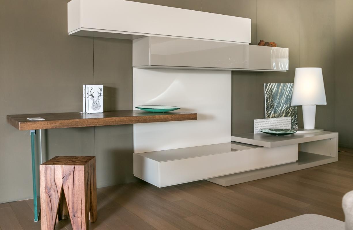 Parete attrezzata pianca con scrittoio in legno for Presotto mobili prezzi