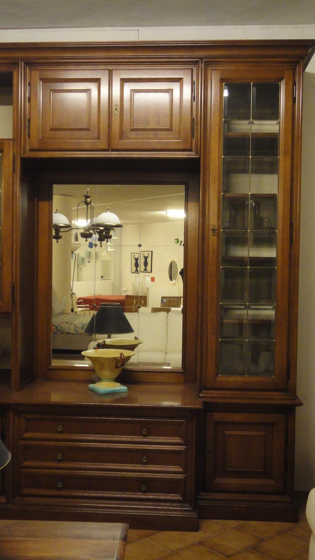 Parete Soggiorno Stile Classico : Parete soggiorno stile classico.