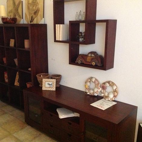 Parete etnica colore legno scuro soggiorni a prezzi scontati - Abbinamento colori pareti mobili ...