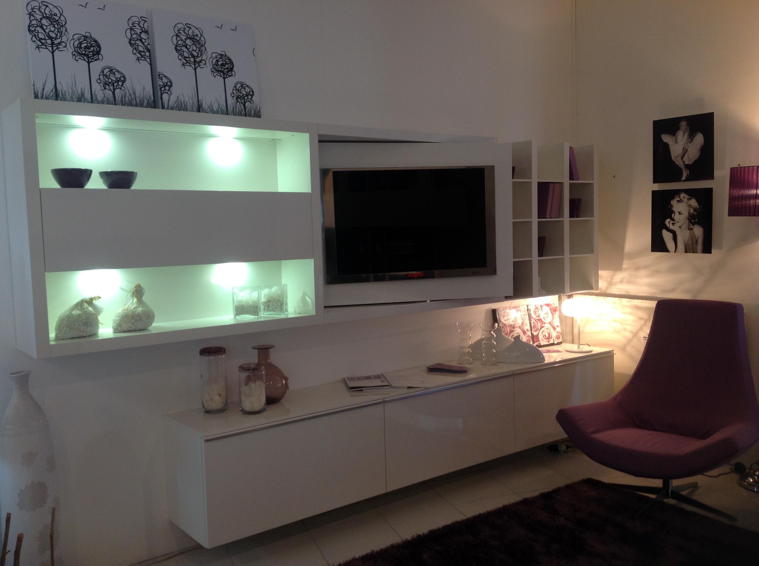 Mobili Da Parete Mondo Convenienza ~ Design casa creativa e mobili ispiratori