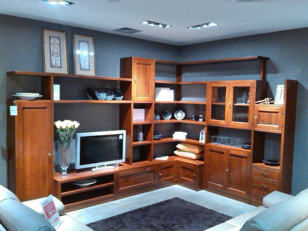 Parete soggiorno artigianale in noce soggiorni a prezzi scontati - Parete attrezzata classica prezzi ...