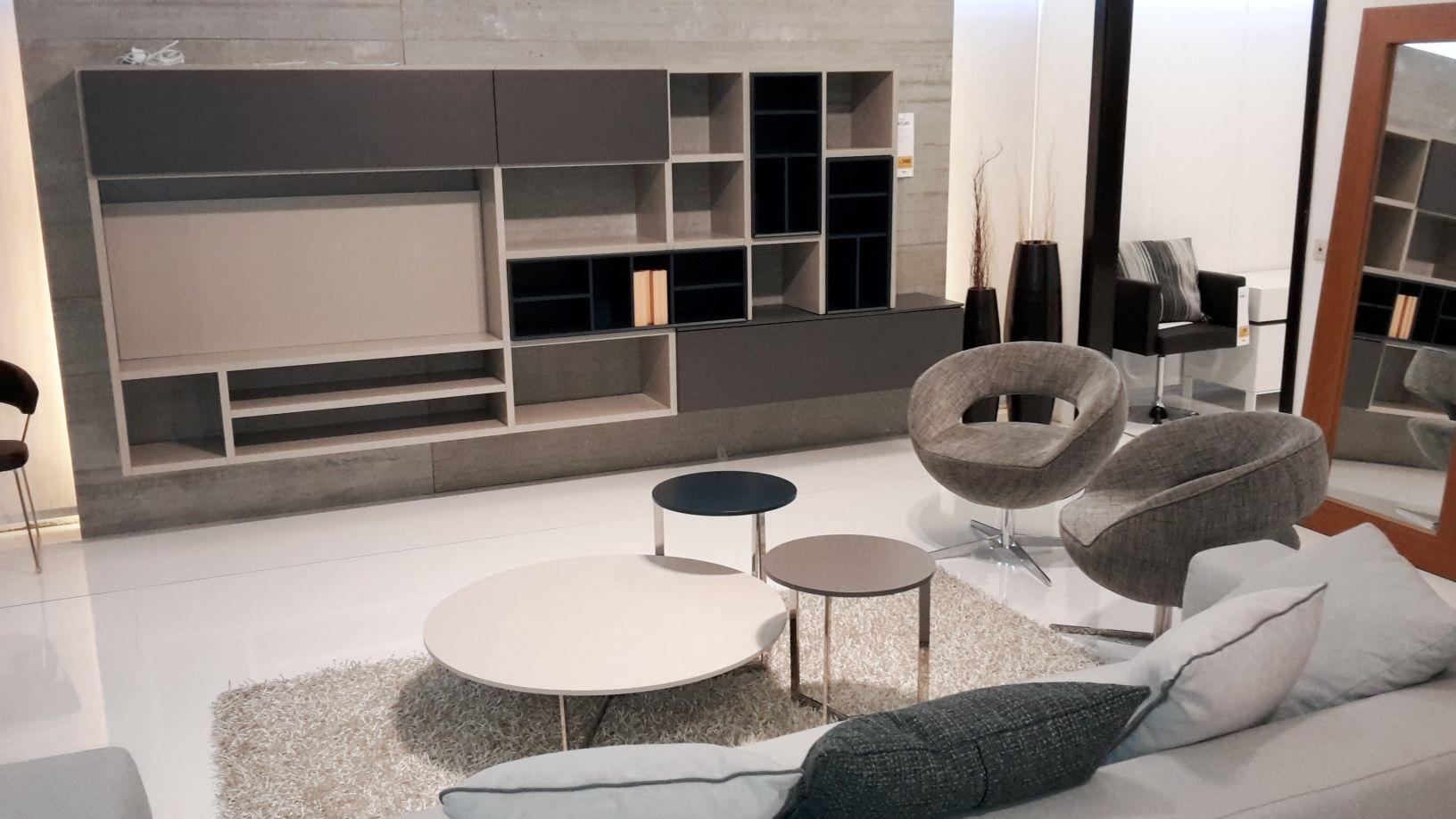 Parete soggiorno atlante laccato piombo grigio e petrolio for Soggiorni moderni in pietra