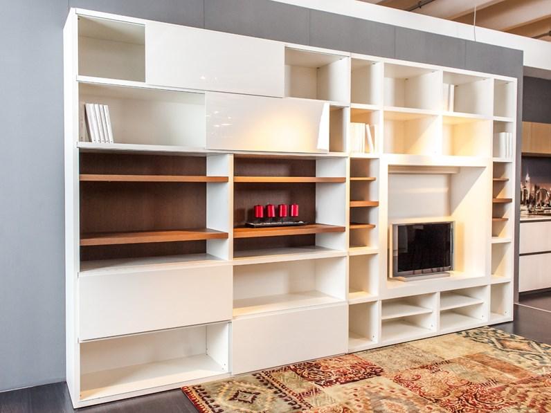 Parete soggiorno con libreria e spazio TV mod.Space di nostro ...