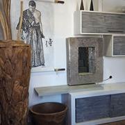 parete soggiorno minimal etnico in legno e crash bambu grigio e white in offerta