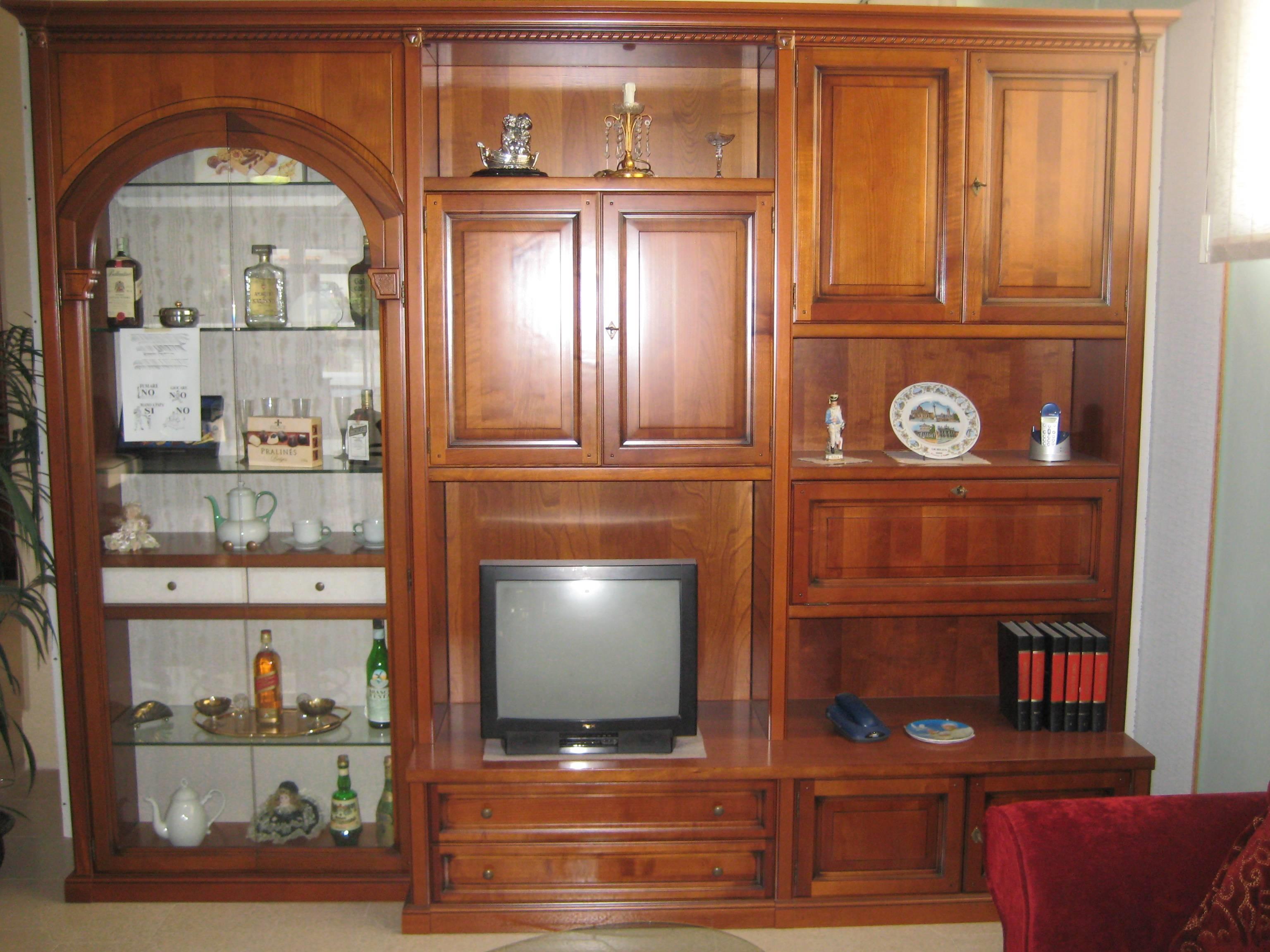 Specchi ovali grandi con puttini immagini for Immagini mobili soggiorno