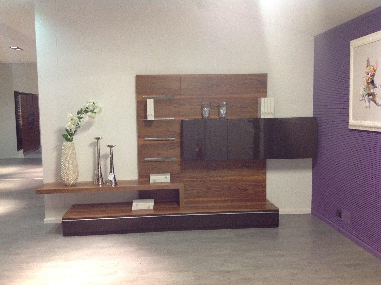 Soggiorno Angolo Tv ~ Idee per il design della casa