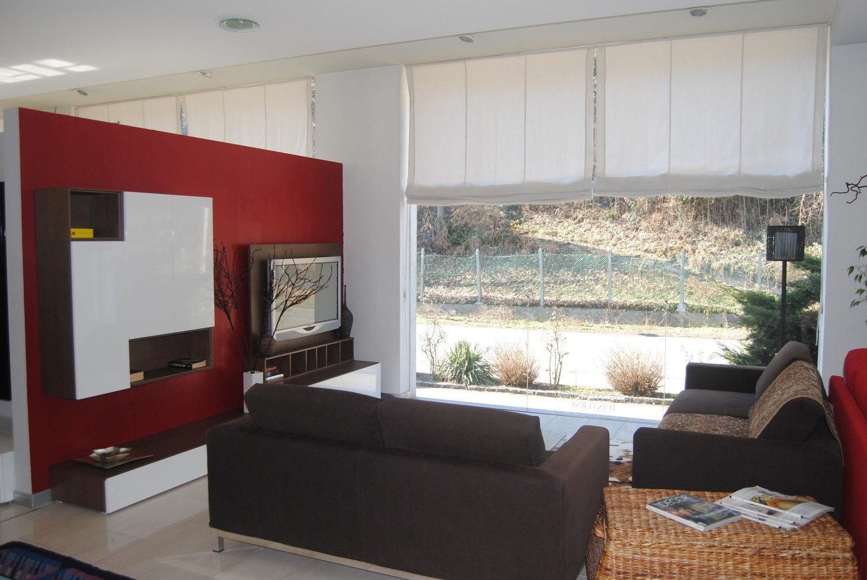 Pareti A Righe Rosse: Decorazione di interni su parete pannelli e ...