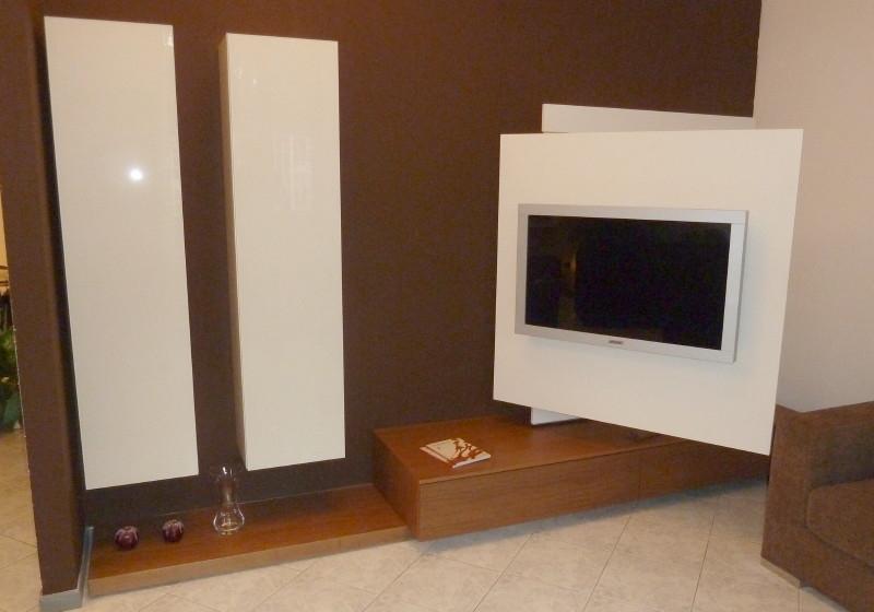 Parete tv fimar con pannello orientabile e girevole - Pannello porta tv orientabile ...