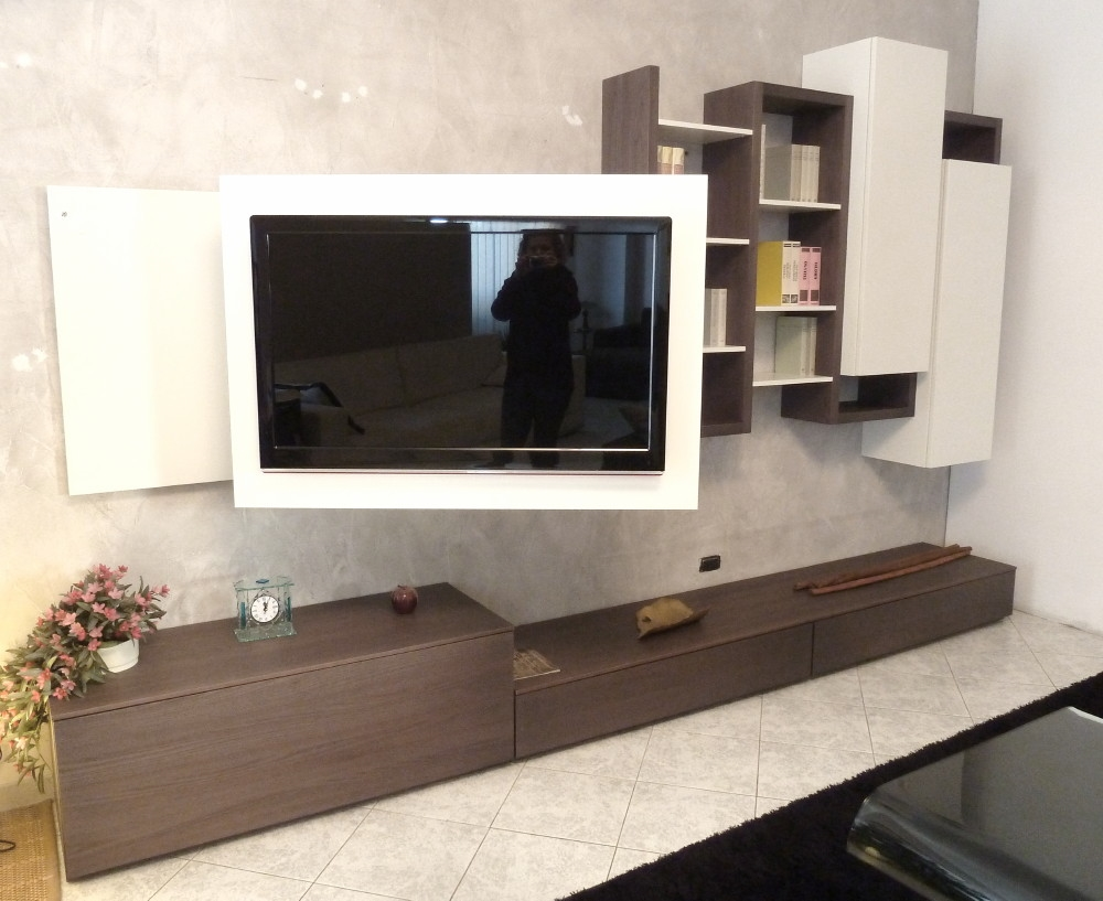 Parete tv skyline con pannello tv orientabile in legno - Pannello porta tv orientabile ...