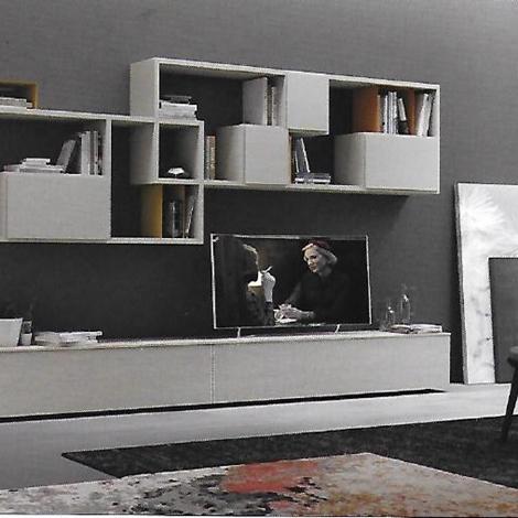 Pareti attrezzate moderne scontata del 31 soggiorni a for Pareti colorate moderne