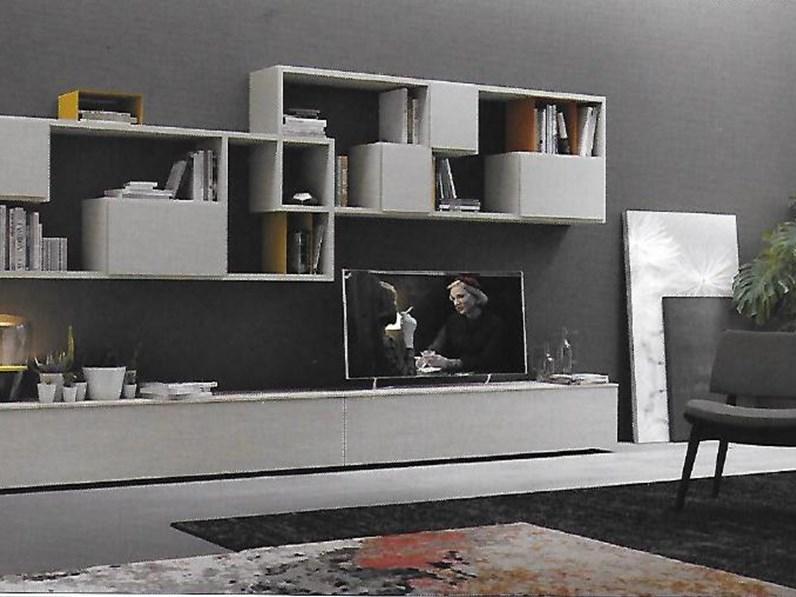 Pareti attrezzate moderne scontata del 31 for Mobili pareti attrezzate moderne