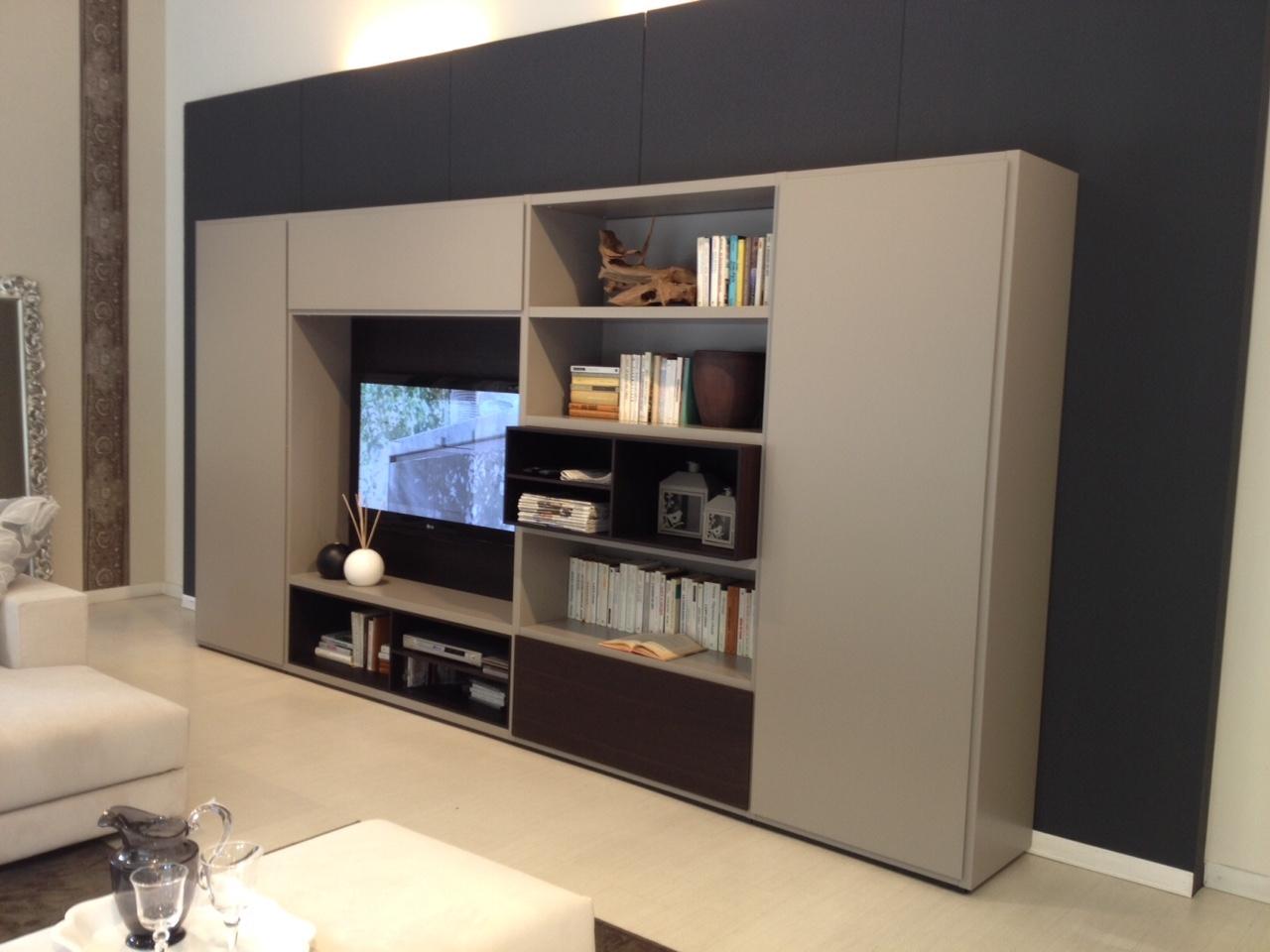 Poliform soggiorno wall system scontato del 37 for Armadi poliform prezzi
