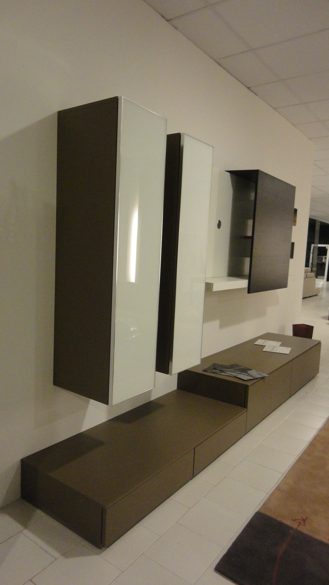 ... TV Pianca Spazio box scontato del -50 % - Soggiorni a prezzi scontati