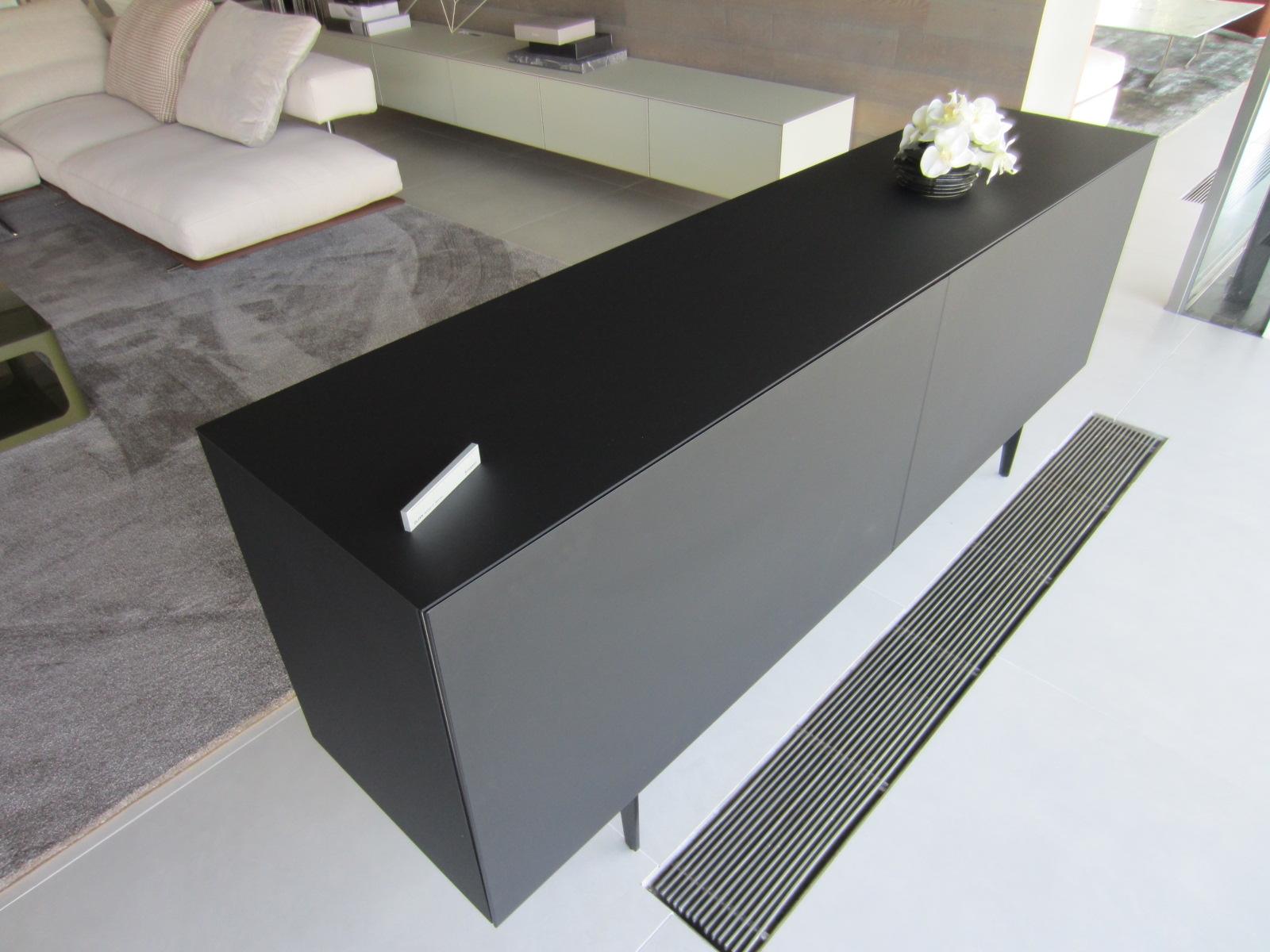 Soggiorni moderni rimadesio idea creativa della casa e for Design scontato