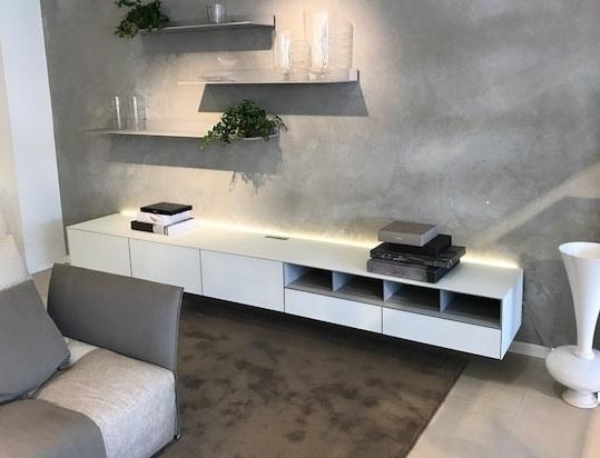 Rimadesio soggiorno self con finitura in vetro laccato for Mobile sala bianco