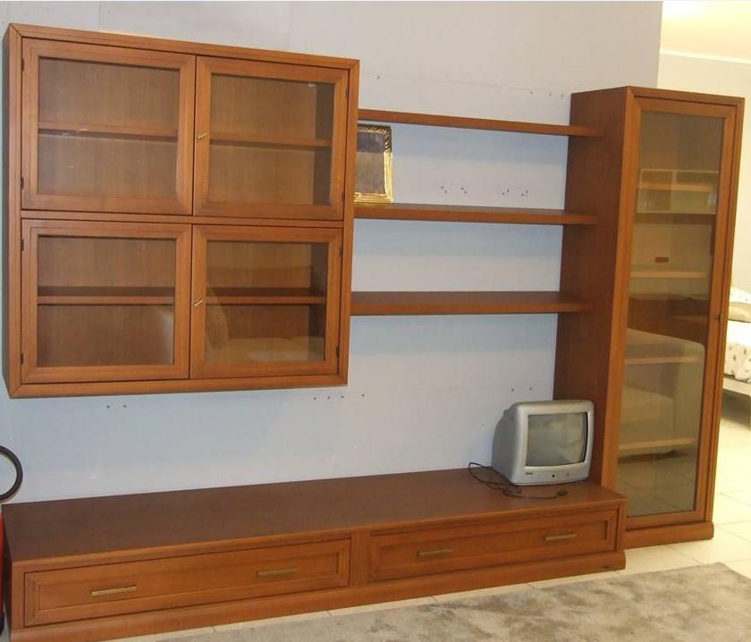 mobili a parete per soggiorno classici : soggiorno-accademia-del-mobile-parete-soggiorno-legno-scontato-del-55 ...