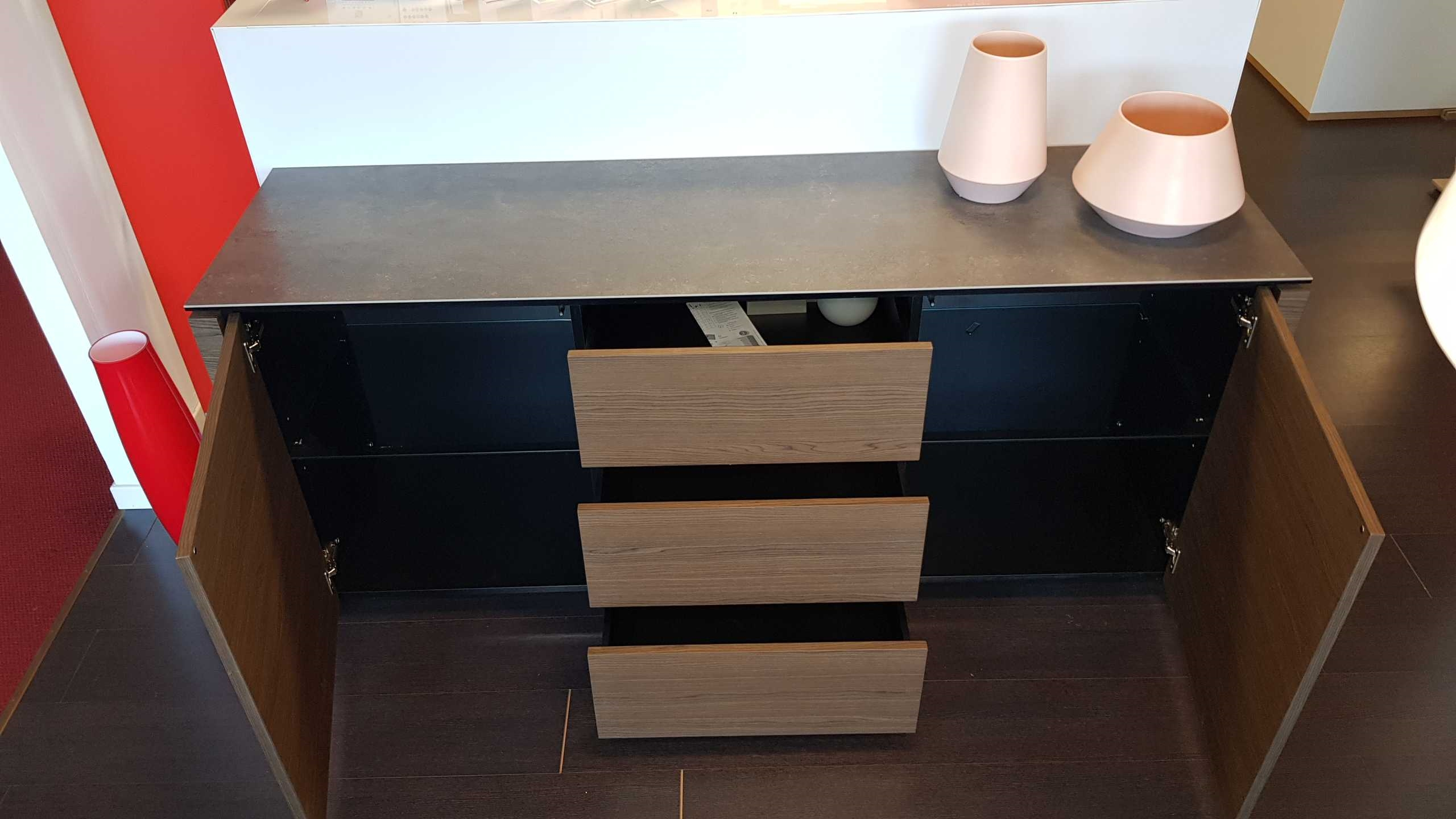 Outlet madia calligaris mag con piano in ceramica for Calligaris mobili soggiorno