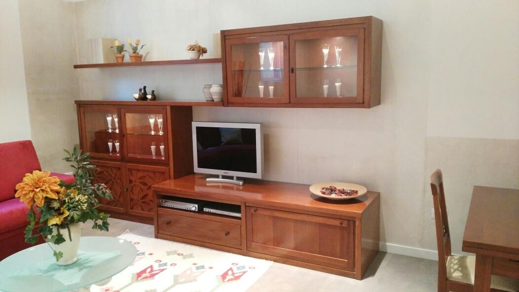 Soggiorno classico legno massello tinto ciliegio offerta - Soggiorno legno massello ...