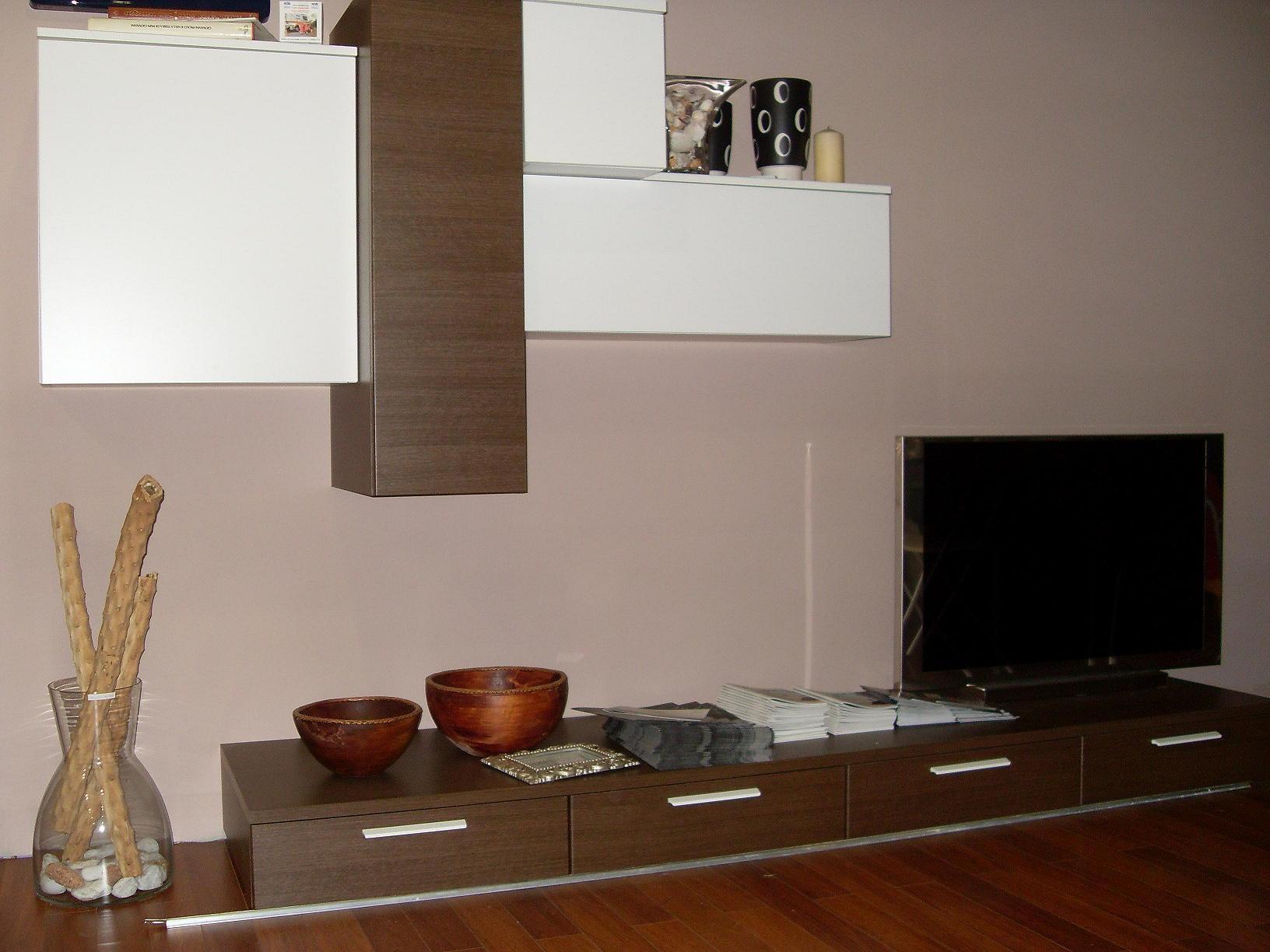 Soggiorno con laminato soggiorno moderno con pavimenti - Map cucine borgosatollo ...