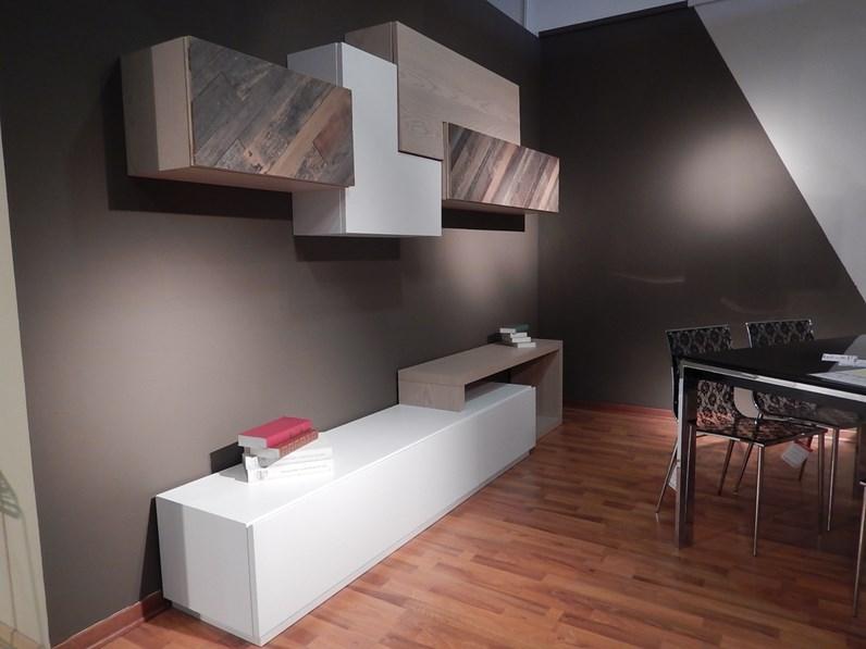 Soggiorno completo in stile moderno artigianale in legno for Fornasari arredamenti