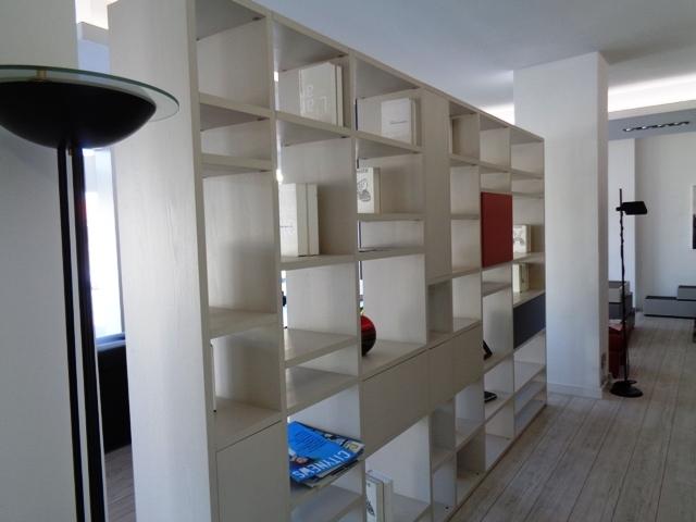 Soggiorno doimo cityline libreria bifacciale over laminato laccato laminato materico librerie - Libreria soggiorno design ...