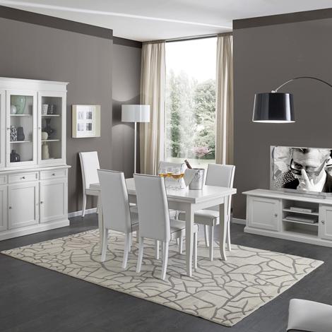 Soggiorno in legno bianco con tavolo sedie mobile tv e for Sedie in legno per soggiorno