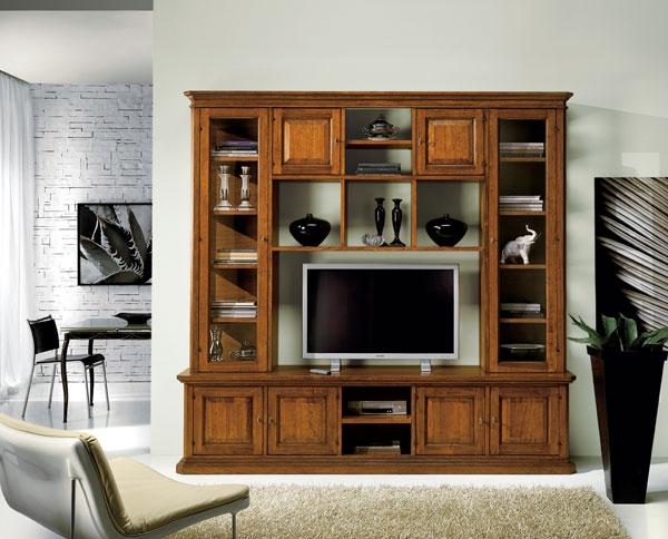 Soggiorno in legno stile classico porta televisione for Soggiorno in legno