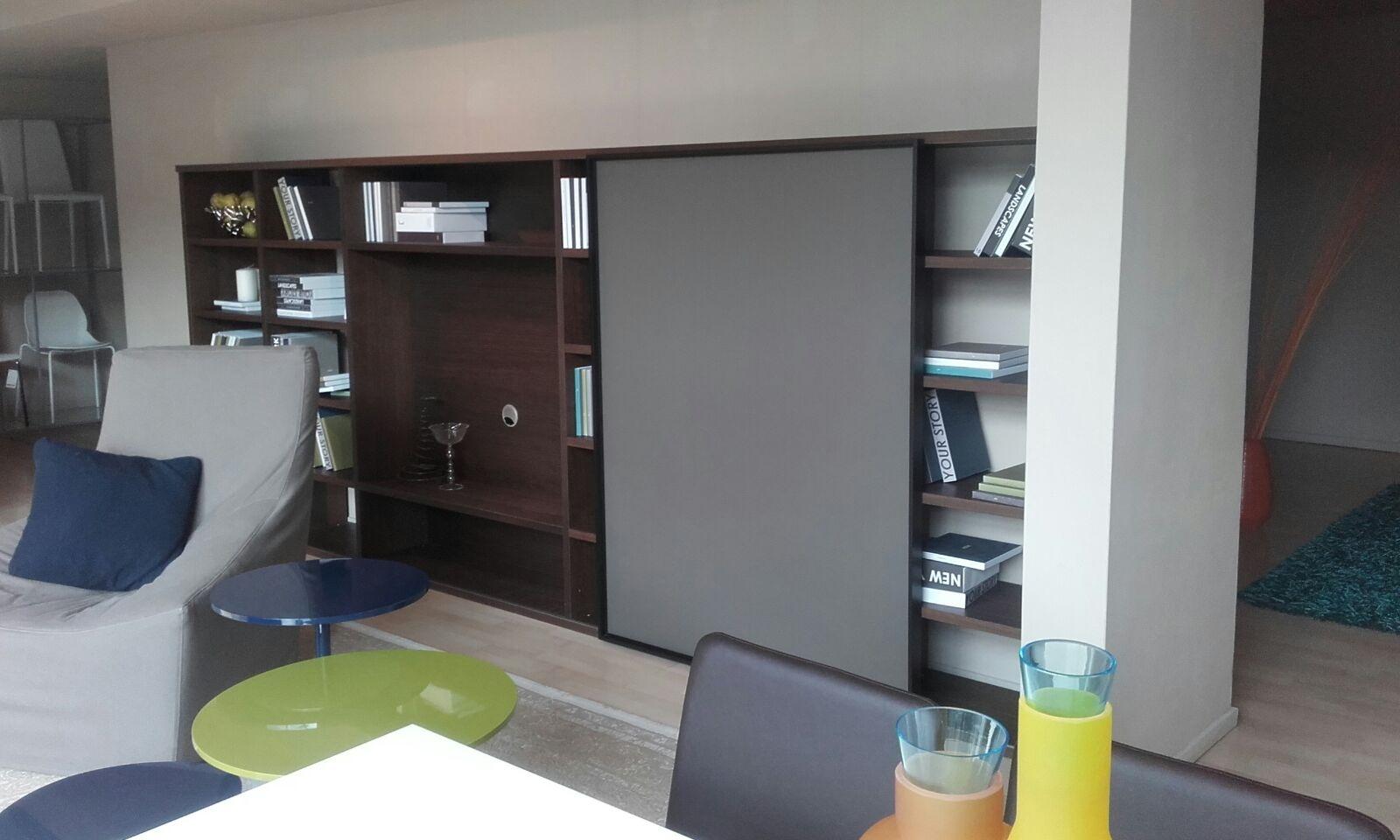 Soggiorno con tv a parete tutto su ispirazione design casa for Parete rossa soggiorno