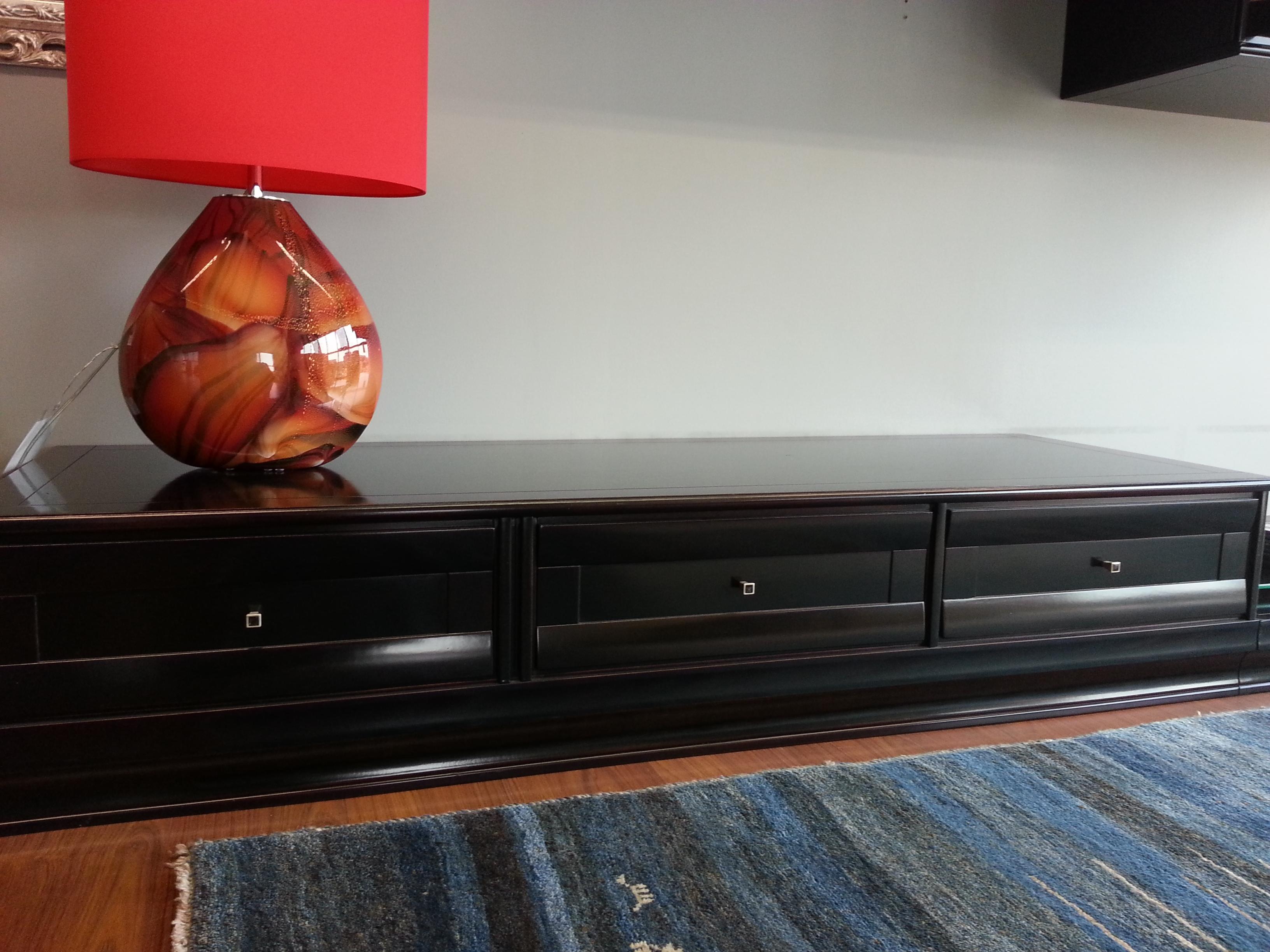 Mobili soggiorno le fablier soggiorno vetrinetta in legno massello legno vetrinette classico - Imitazioni mobili design ...