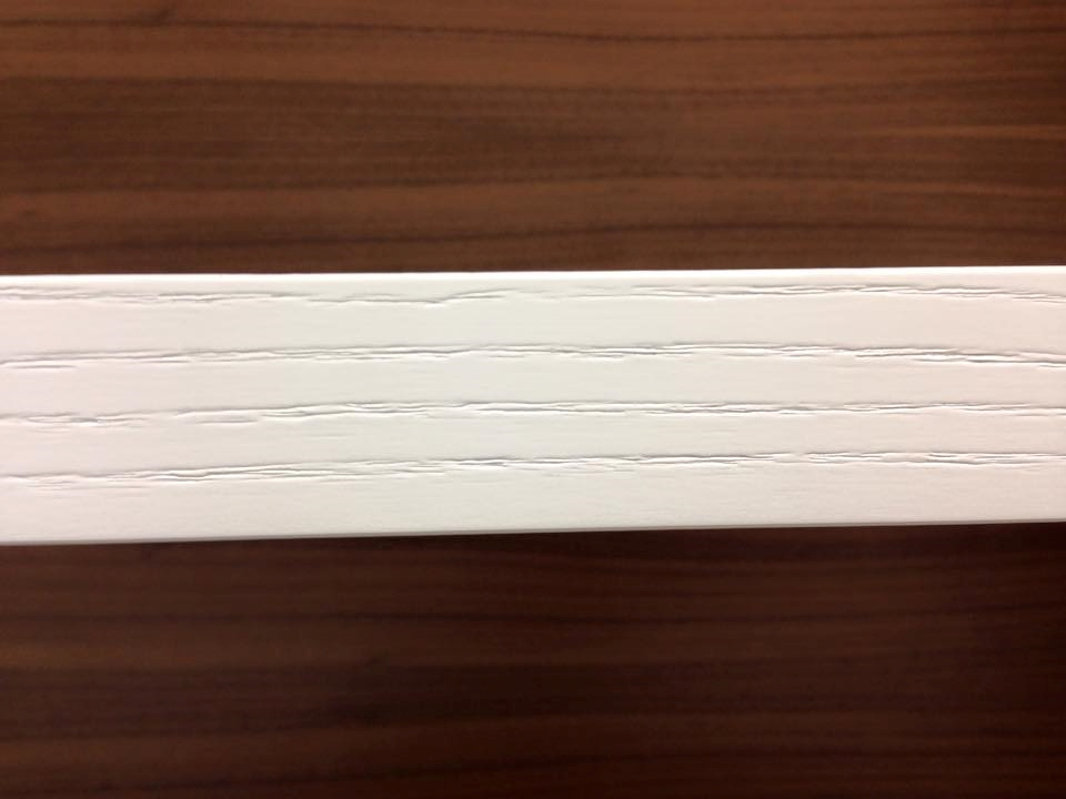 Soggiorno Le Fablier Parete soggiorno in legno bianco e ...