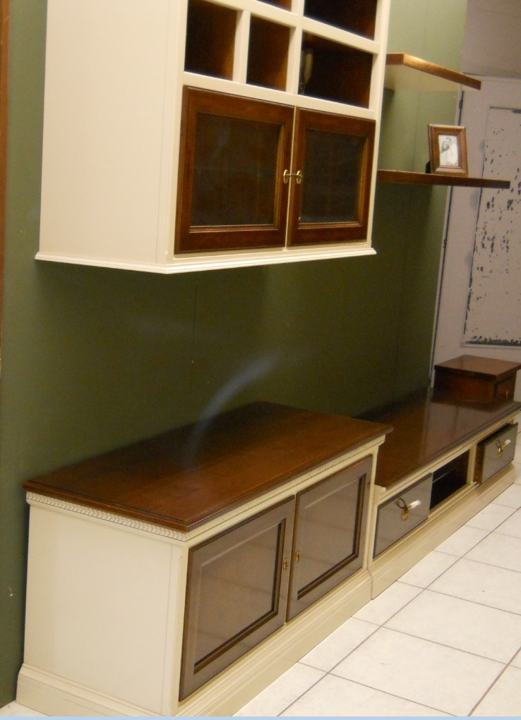 Soggiorno le fablier parete soggiorno in legno bianco e for Soggiorno legno