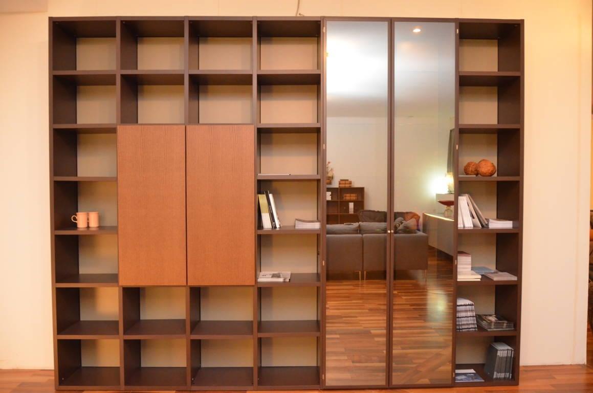 Soggiorno lema libreria selecta laccato opaco librerie for Librerie design outlet