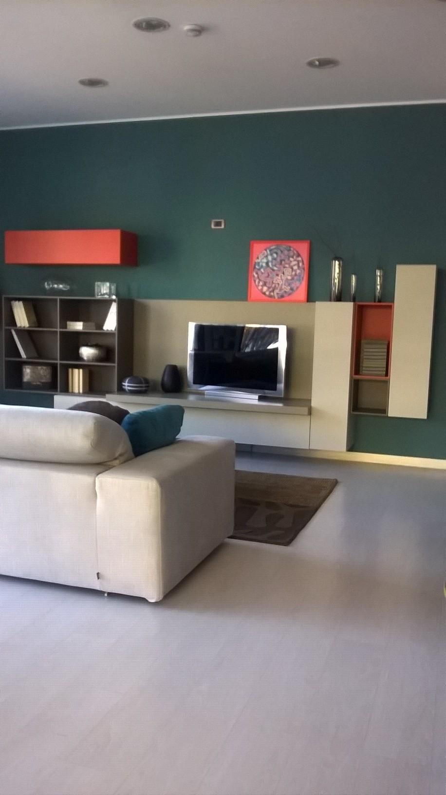 Soggiorno lema t030 laccato opaco pareti attrezzate for Lema soggiorni moderni