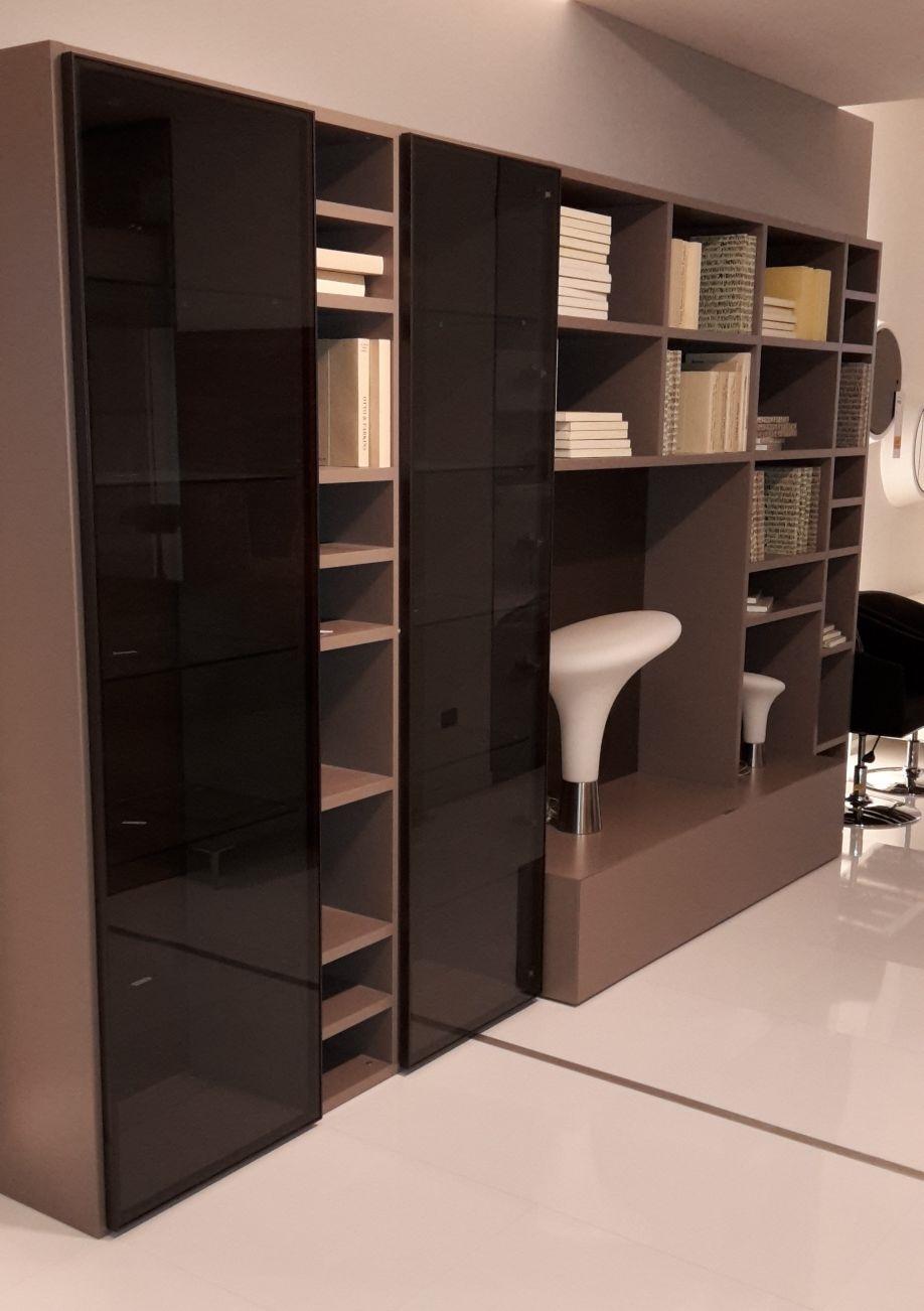 Soggiorno libreria laccato opaco con vetrine - Soggiorni a prezzi ...