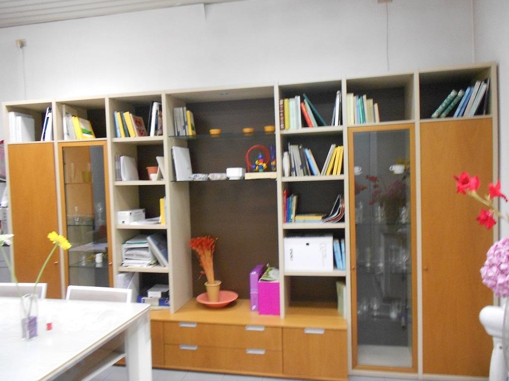 Soggiorno/libreria scontatissimo 20879 - Soggiorni a ...