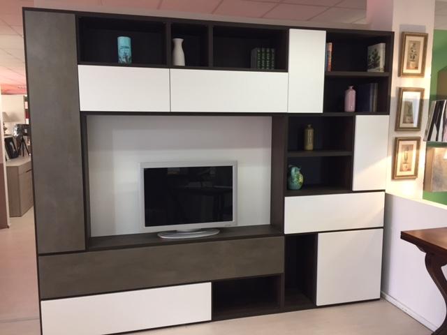 Soggiorno mercantini nestos laminato opaco pareti - Mobili a parete per soggiorno ...