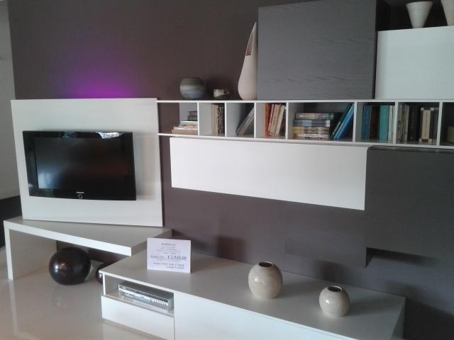 Soggiorno mobilgam soggiorno mobilgam laccato poro aperto for Librerie design scontate