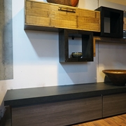 soggiorno moderno in lefno e crash bambu etno moderno grigio e miele