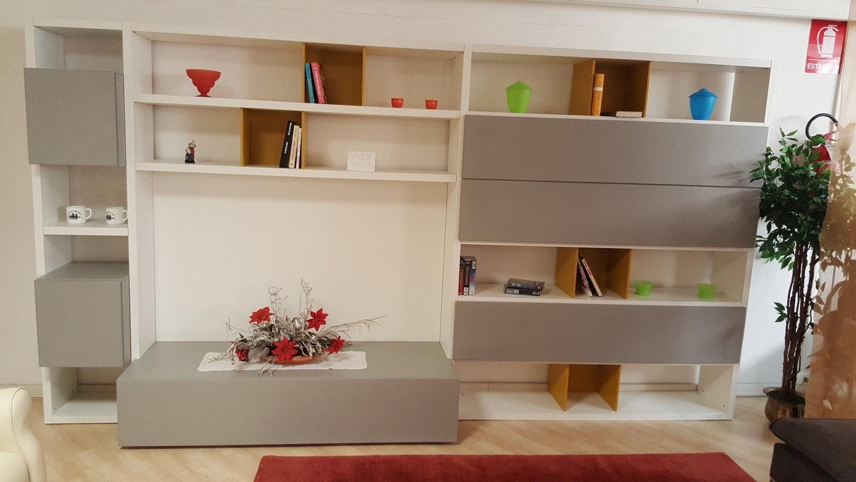 Emejing Soggiorno Moderno Torino Ideas - Idee Arredamento Casa ...