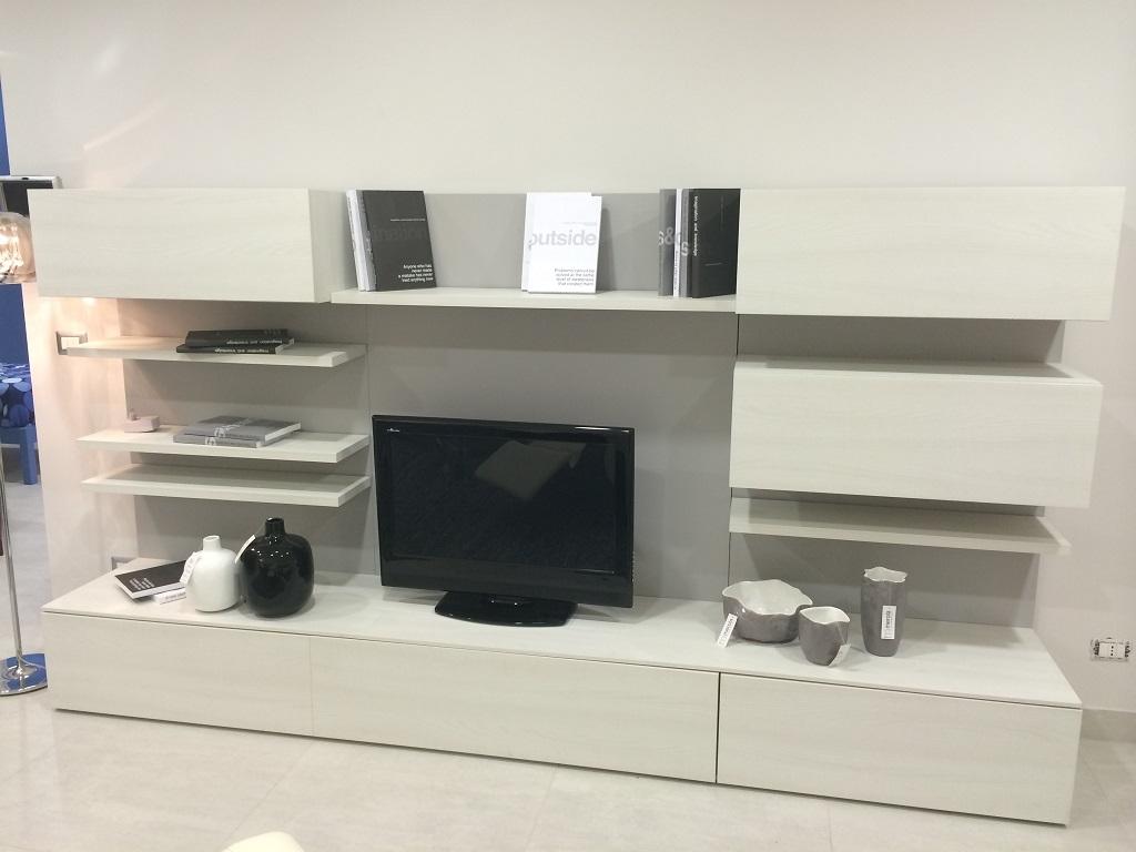 soggiorno novamobili in offerta soggiorni a prezzi scontati. Black Bedroom Furniture Sets. Home Design Ideas