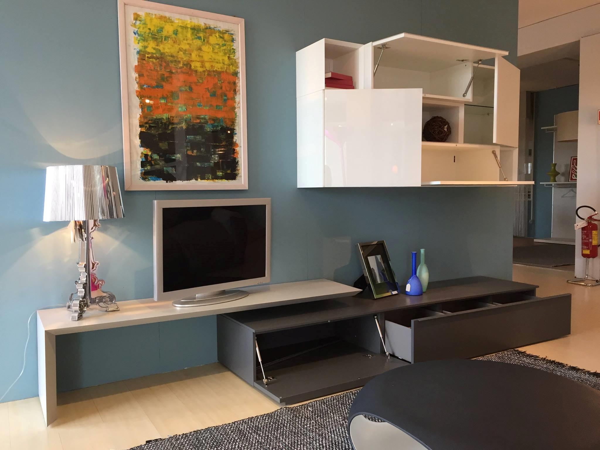 Soggiorno pianca spazio moduli soggiorni a prezzi scontati for Moduli componibili soggiorno