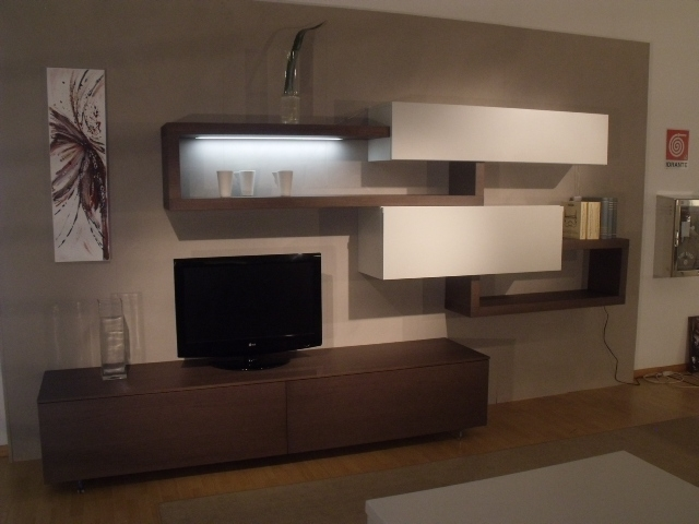 Soggiorno sangiacomo living system lampo legno pareti for Prezzi pareti attrezzate