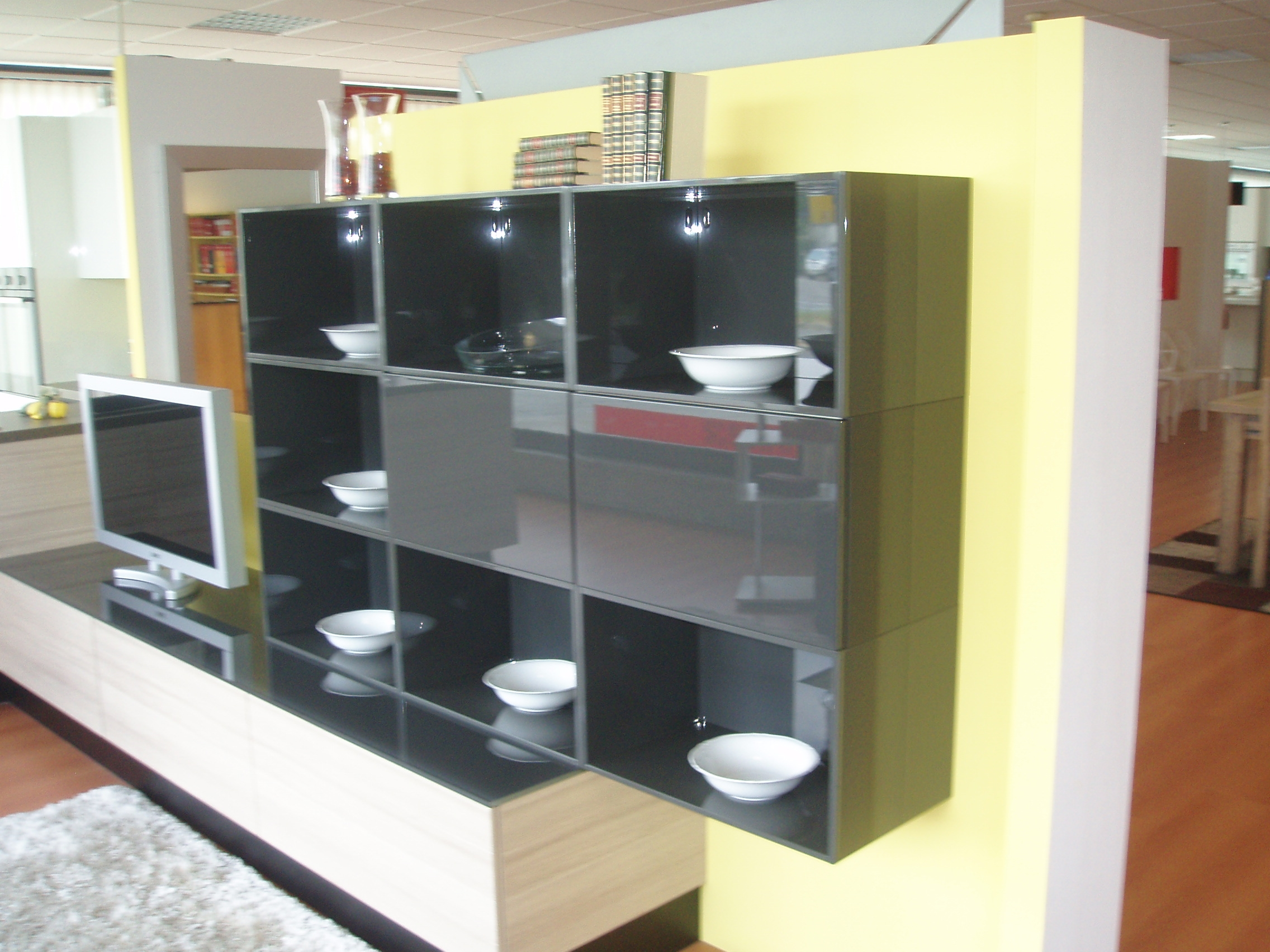 Soggiorno scavolini liberamente laccato lucido pareti for Soggiorni pareti attrezzate