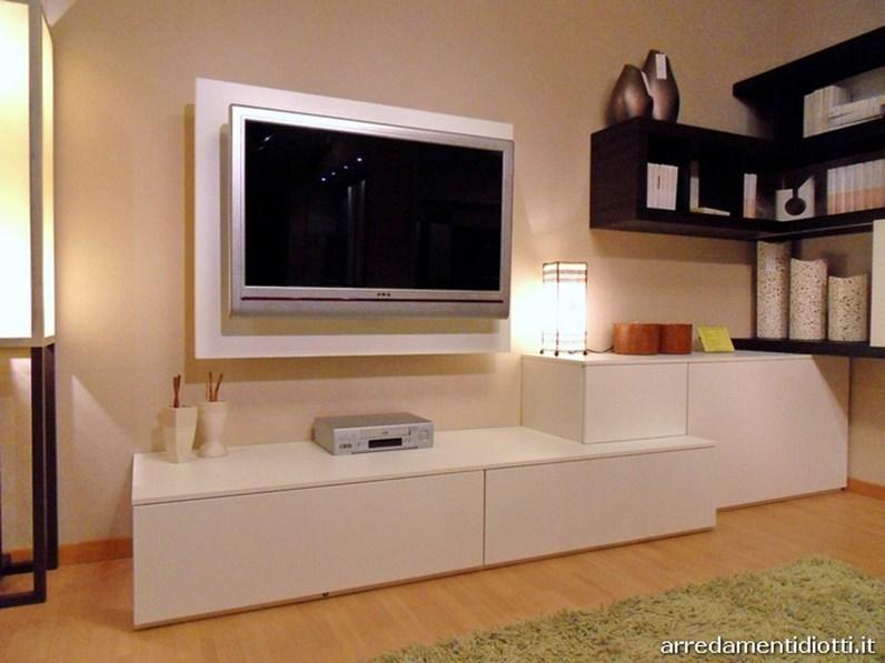 Soggiorno side system con porta tv scontato for Mobili tv moderni