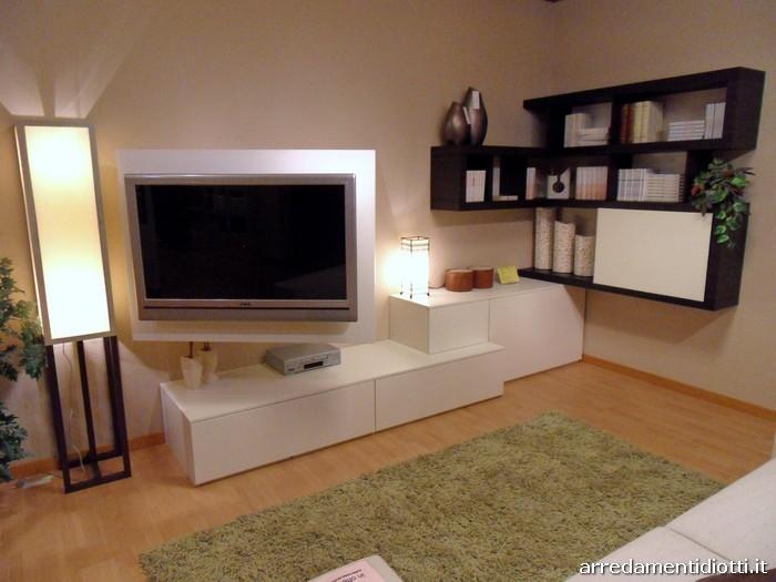 Soggiorno side system con porta tv scontato soggiorni a for Parete soggiorno ad angolo
